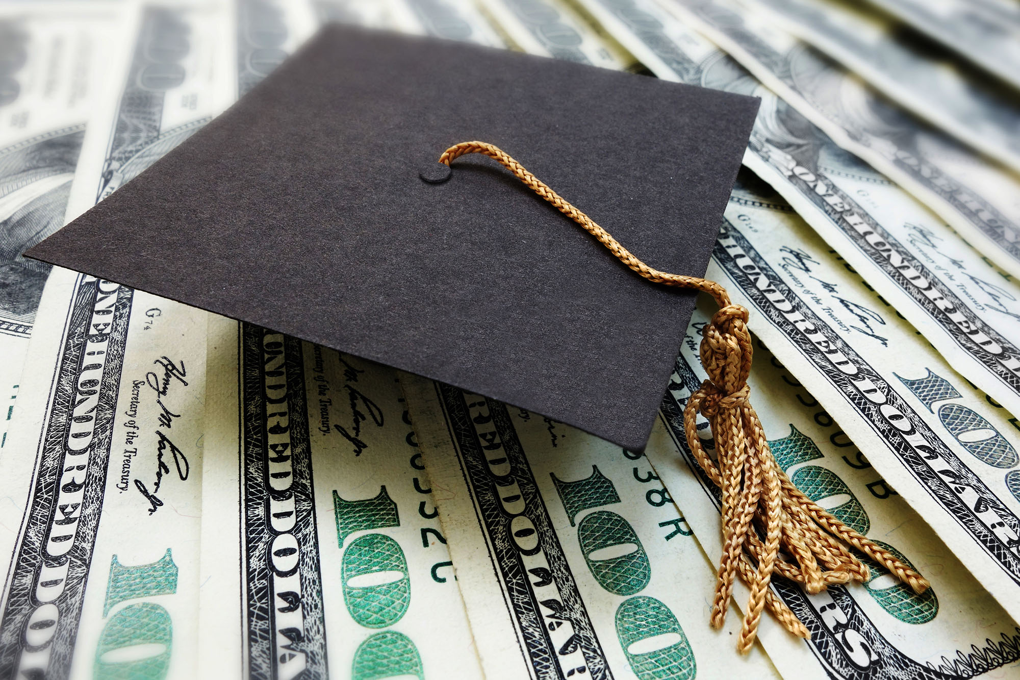 4 Things to Consider Before Agreeing to Cosign a Student Loan